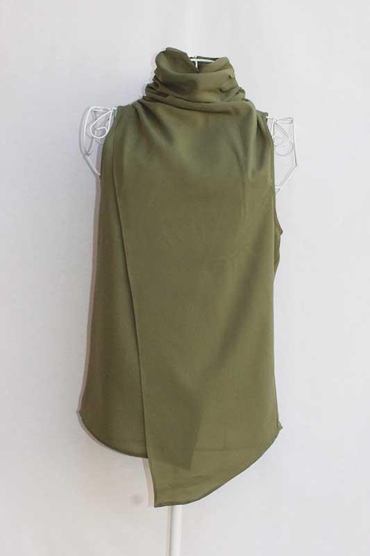 Blusa cuello de cisne verde