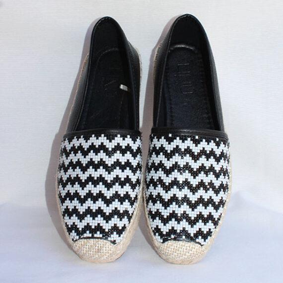 Zapatillas de esparto blanco y negro