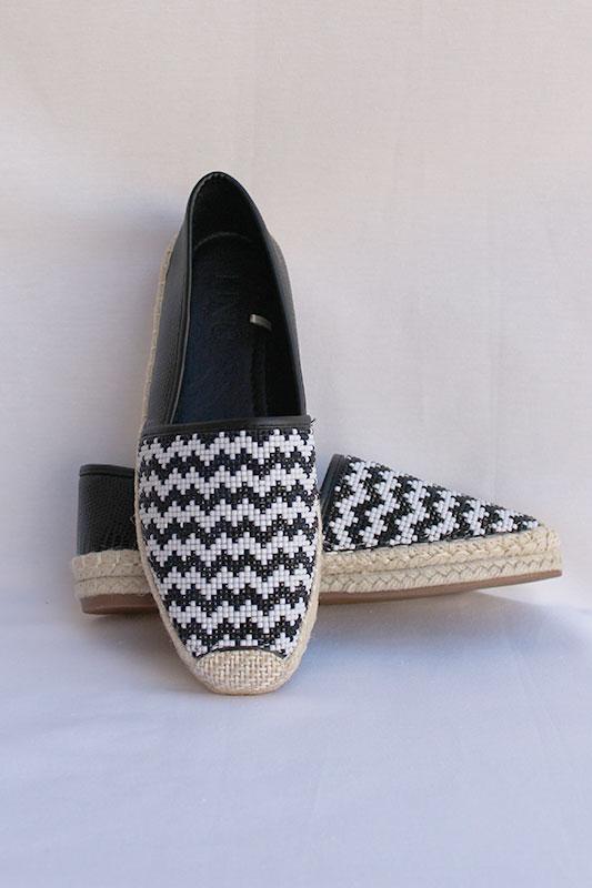 Zapatillas de esparto en blanco y negro